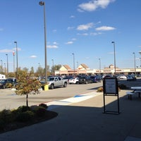 Photo taken at Birch Run Premium Outlets by Helena I. on 10/8/2012