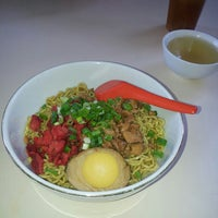 Photo taken at Bakmi Keriting Pematang Siantar by Anastassia L. on 6/5/2013