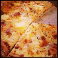 Снимок сделан в Abbot's Pizza Company пользователем Curly C. 3/3/2013