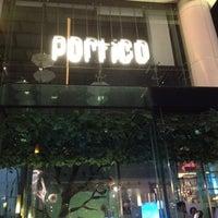 Foto tirada no(a) Portico por Scott D. em 9/30/2012