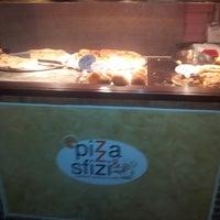 Photo taken at pizza e sfizi by Basilio L. on 3/22/2013