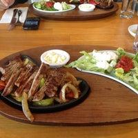11/21/2012 tarihinde Birol A.ziyaretçi tarafından Lunchbox'de çekilen fotoğraf