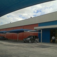 Photo taken at Extra by Wilson Roberto Q. on 10/12/2012