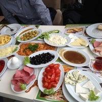 2/10/2013 tarihinde Demet G.ziyaretçi tarafından Green Garden Cafe & Restaurant & Nargile'de çekilen fotoğraf