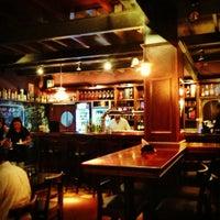 12/29/2012 tarihinde Leonardo A.ziyaretçi tarafından Gallaghers Irish Pub'de çekilen fotoğraf