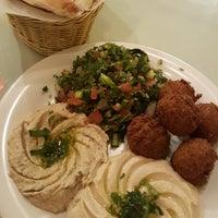Das Foto wurde bei Omar's Mediterranean Cuisine & Bakery von Patty am 2/7/2018 aufgenommen