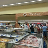 Photo taken at Cometa Supermercados by Ivanilton J. on 10/12/2012