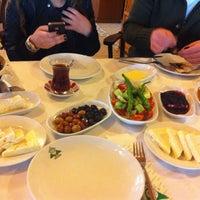 2/17/2013 tarihinde Tuğberk M.ziyaretçi tarafından Hanedan Restaurant'de çekilen fotoğraf