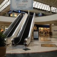 Das Foto wurde bei Oxford Valley Mall von Rob S. am 10/10/2012 aufgenommen