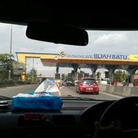 Photo taken at Gerbang Tol Buah Batu by Heny S. on 12/25/2016