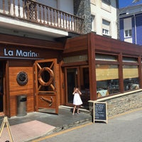 Foto tirada no(a) Restaurante La Marina Puerto De Vega por Daniel M. em 8/18/2016