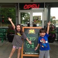 Foto tomada en La Parrilla Mexican Restaurant por Jenny D. el 7/25/2013