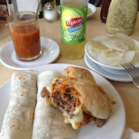 Photo taken at Antigua Taqueria La Oriental by Jovanni T. on 10/9/2012