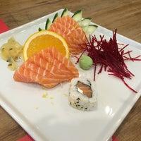 Foto tomada en Soto Asian Cuisine por Josy E. el 8/9/2014