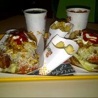 Photo taken at Chipi's Burger by Oswaldo Z. on 1/14/2014