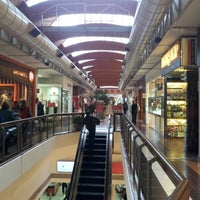 Photo taken at Montevideo Shopping by Neilimar M. on 5/21/2013