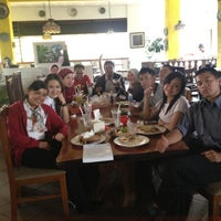 Photo taken at Cwie Mie Malang / Roellie's Steak by Rosa T. on 3/7/2013