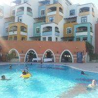 Foto tirada no(a) Pinepark Holiday Club por Onur M. em 7/23/2013