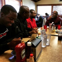 Photo taken at Golden Corral by Mario R. on 2/7/2015