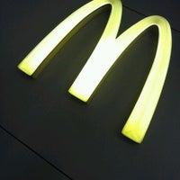Foto tirada no(a) McDonald's por Cássio S. em 1/9/2013