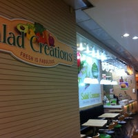 Photo taken at Salad Creations by Flavio Augusto S. on 11/4/2012