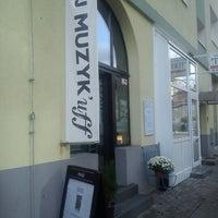 Photo taken at Caffeart u Muzyk'uff by Dominika G. on 10/18/2013
