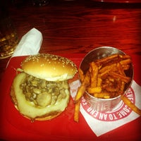 Photo taken at Red Robin Gourmet Burgers by Joshua W. on 8/15/2013