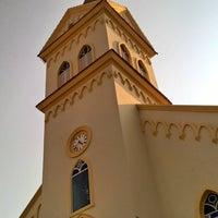 Photo taken at Igreja Matriz de São Miguel e Almas by Eliton S. on 9/27/2015