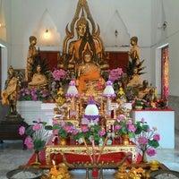 Photo taken at Temple of Phra Buddhachinnarat Mongkhol Prakan by JinShuanG on 7/26/2015