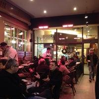 Das Foto wurde bei Starbucks von Selahattin Ş. am 11/26/2012 aufgenommen