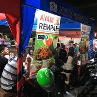 Photo taken at Pusat Kuliner Jajan Makan TMP Kalibata by Bogummy21 on 9/17/2017