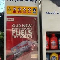 Foto tomada en Shell MNR-F.Tañedo por Jao B. el 10/20/2012