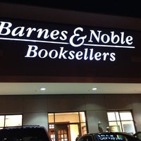 Photo taken at Barnes & Noble by Crystal Q. on 9/15/2013
