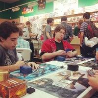 Foto tirada no(a) Dragon's Lair Comics & Fantasy por Alachia Q. em 9/21/2013