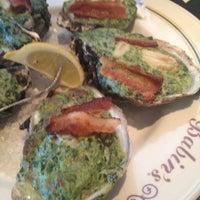 Das Foto wurde bei Babin's Seafood House von Allie G. am 11/1/2012 aufgenommen