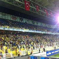 Photo taken at Radyo Fenerbahçe 97.0 by 🔱lazkızı61🔱 on 10/29/2012