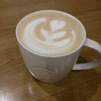 Photo taken at Starbucks by となみ ∑. on 1/28/2017