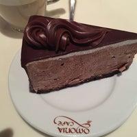 Photo taken at Omonia Cafe by leo k. on 10/12/2014