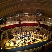 12/15/2012 tarihinde Kyle P.ziyaretçi tarafından Symphony Center (Chicago Symphony Orchestra)'de çekilen fotoğraf