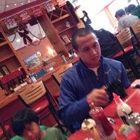 12/16/2012 tarihinde Erika E.ziyaretçi tarafından Coney Island Diner'de çekilen fotoğraf