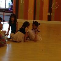 5/3/2013 tarihinde Erika E.ziyaretçi tarafından Bella Ballerina'de çekilen fotoğraf