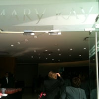 Photo taken at Mary Kay Cosmetics de Mexico (Corporativo) by Berezaurio V. on 11/21/2013