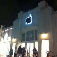 1/7/2013にCristian T.がApple Lincoln Roadで撮った写真