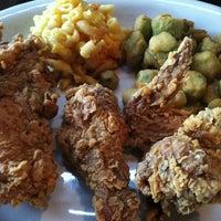 Das Foto wurde bei Paschal's Restaurant von Diaz A. am 12/30/2012 aufgenommen