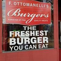 7/26/2017에 Daniel C.님이 F. Ottomanelli Burgers and Belgian Fries에서 찍은 사진