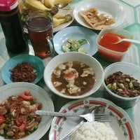 Photo taken at Soto Betawi H. Mamat by Lucky Y. on 1/29/2017