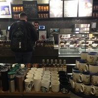 3/9/2018 tarihinde Yury B.ziyaretçi tarafından Starbucks'de çekilen fotoğraf
