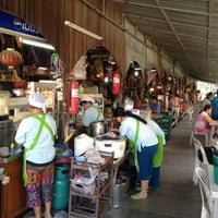 Photo taken at Klong Suan 100-Year-Old Market by La P. on 12/16/2012