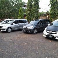 Photo taken at Parkir Timur Lapangan Niti Mandala Renon by Grunyam A. on 8/29/2014