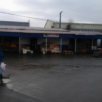 Photo taken at Овощной рынок by Gennadij E. on 12/1/2012